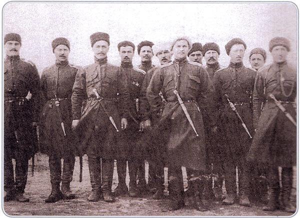 Командир Кубанского казачьего корпуса генерал-лейтенант М. А. Фостиков с офицерами по прибытии на Лемнос в декабре 1920 г.